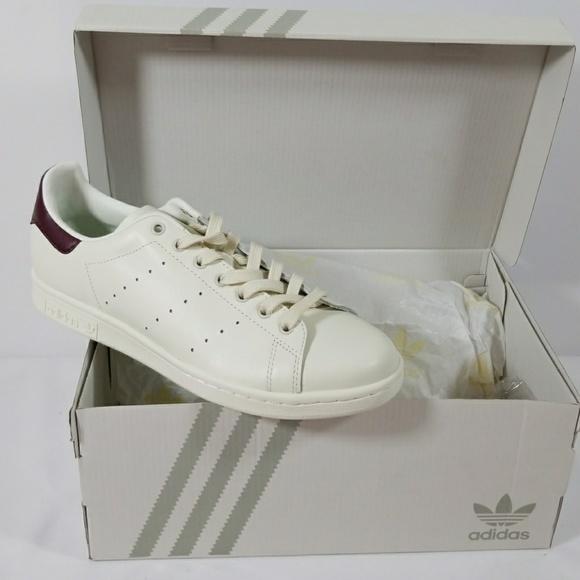 adidas scarpe nuove scarpe whiteburgundy nella casella 8 poshmark